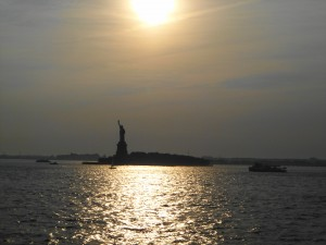 sunset-liberty-island