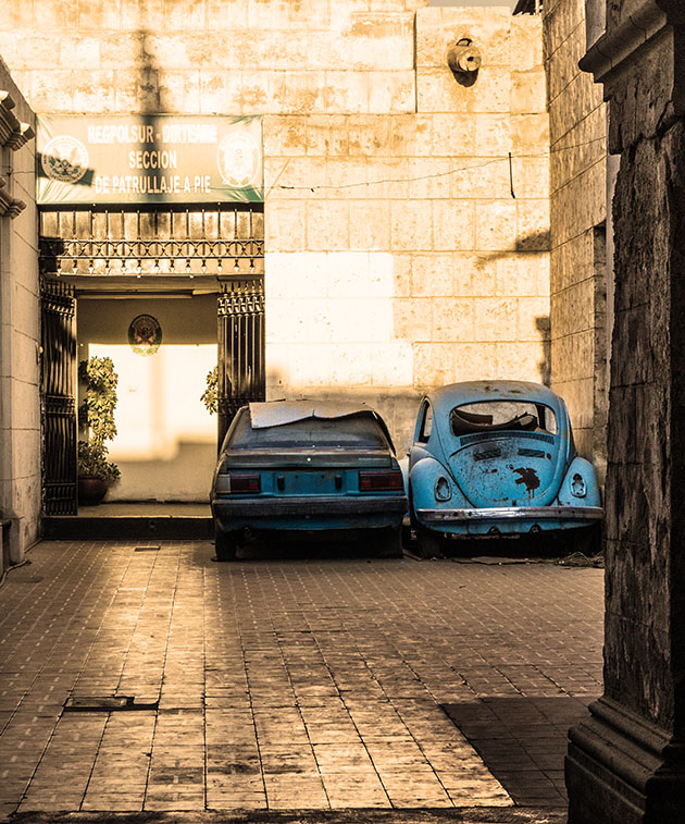 vieille-voiture-nostalgie-montage