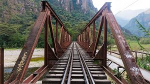 les rails pour se rendre au machu picchu