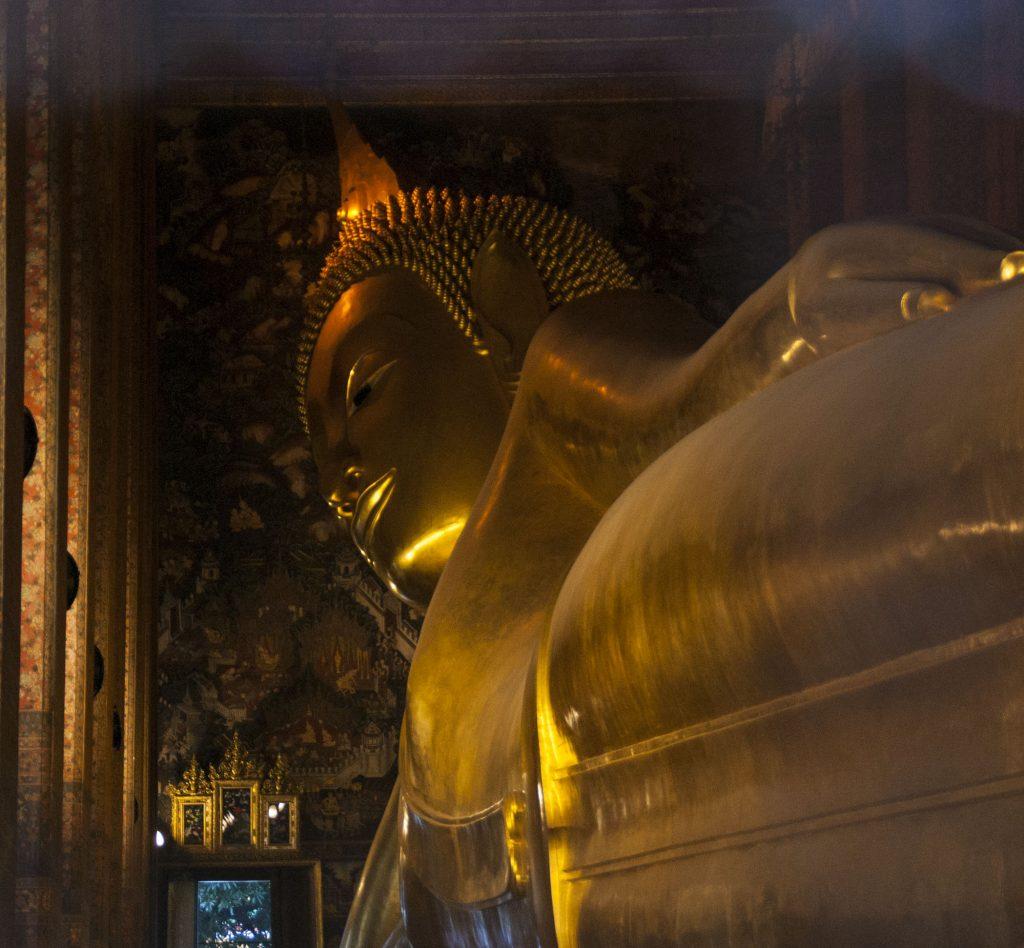 bouddha couché wat pho bangkok