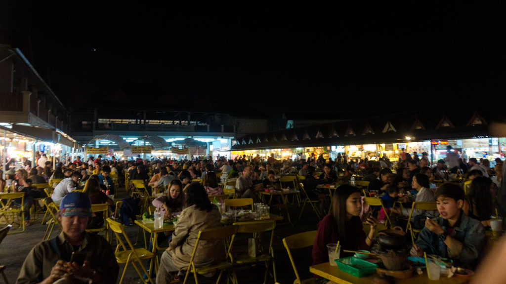 night market de chiang rai
