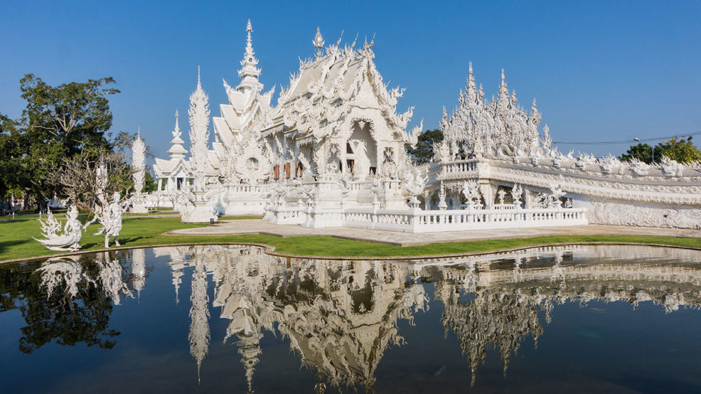 temple blanc à visiter à chiang rai