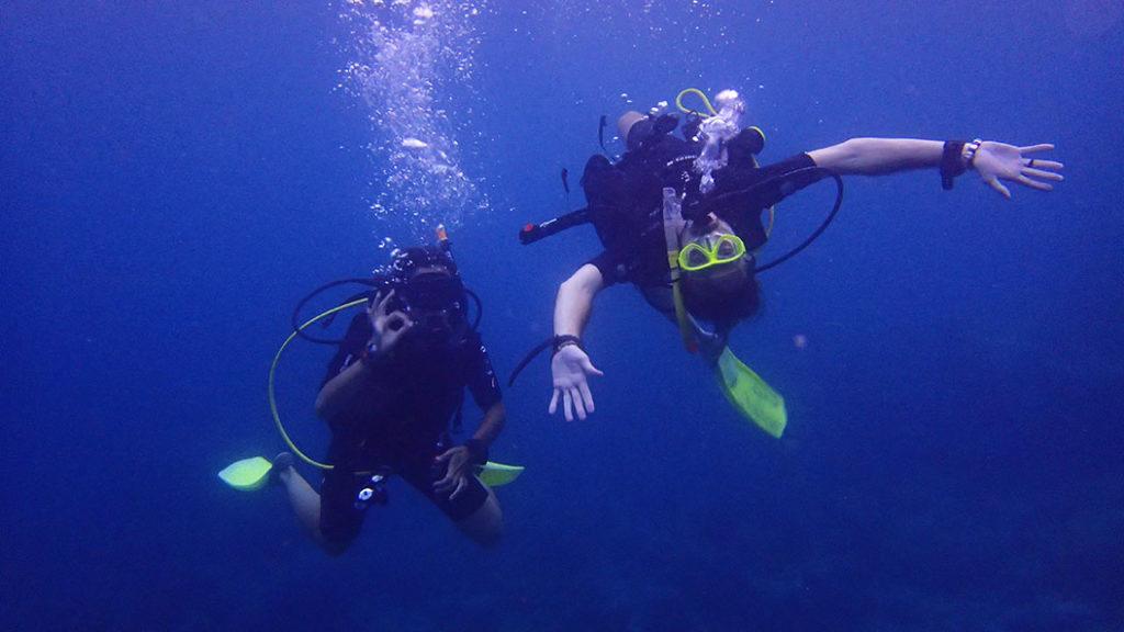 Laure et Arnaud sous l'eau