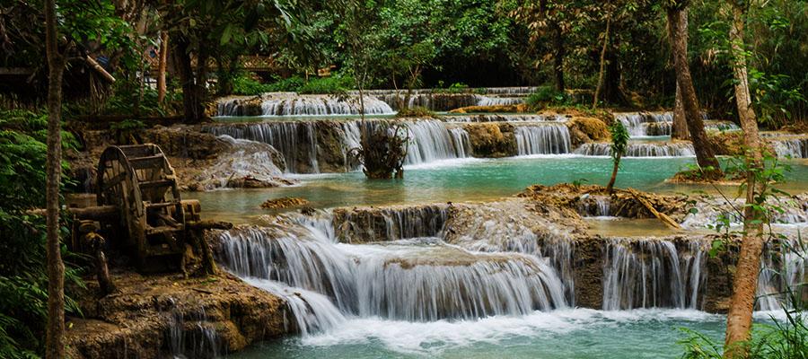 Luang Prabang : cascades de Kuang Si, jardin botanique et flânerie