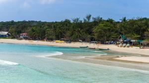 la plage de long beach sur perhentian Kecil