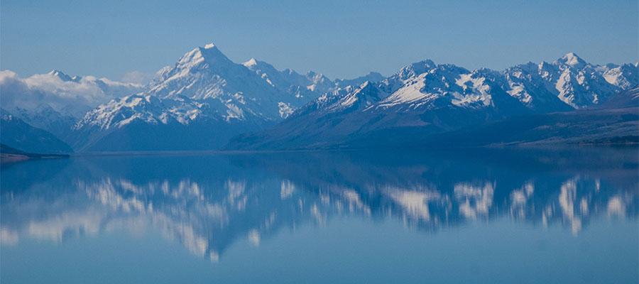 reflet sur le lac tekapo