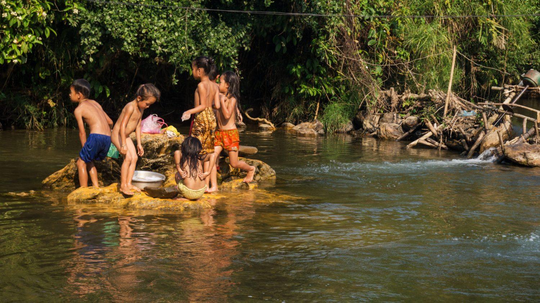 enfants-rivière_HD