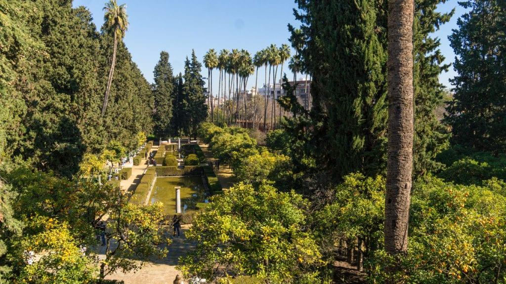 real-alcazar-jardin-3-HD-1024x575-min